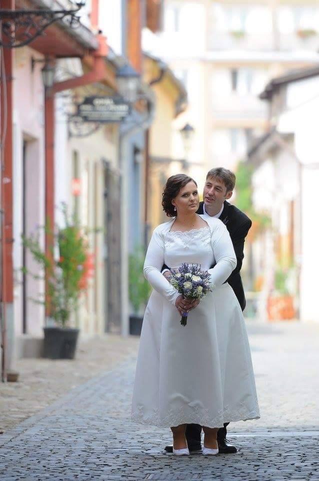 http://www.tinakreativ.sk/wp-content/uploads/2015/12/Šaty-svadobné.jpg