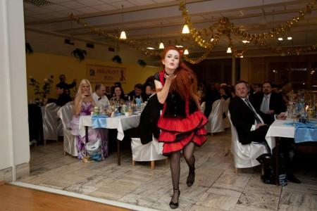 Kankán tanečnica