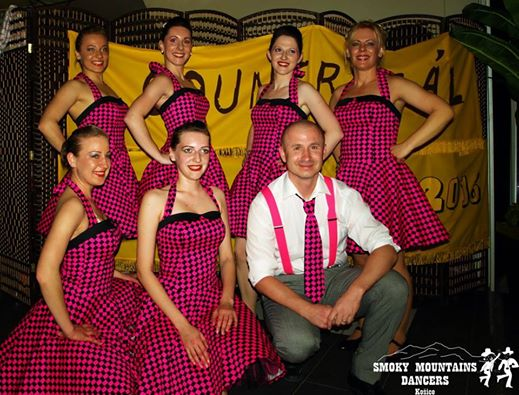http://www.tinakreativ.sk/wp-content/uploads/2015/12/Komplet-pre-country-skupinu....jpg