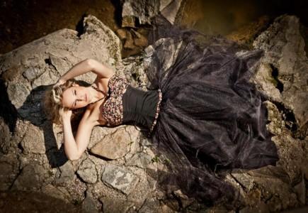 Korzetové šaty s tylovou sukňou