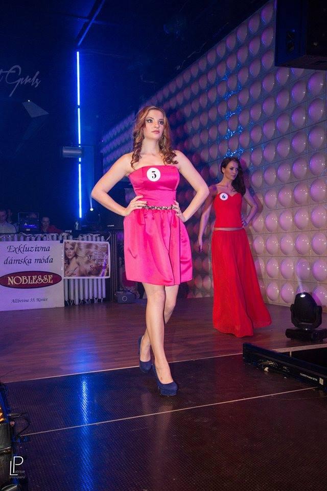 http://www.tinakreativ.sk/wp-content/uploads/2015/12/Korzetové-šaty.jpg