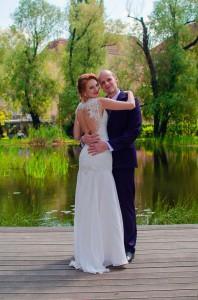 Svadobné šaty a pánsky oblek