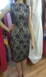 Krajkové kostýmové šaty