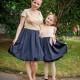 Saténové šaty s telovým zvrškom a čipkou