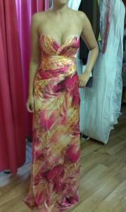 Saténové vzorované šaty